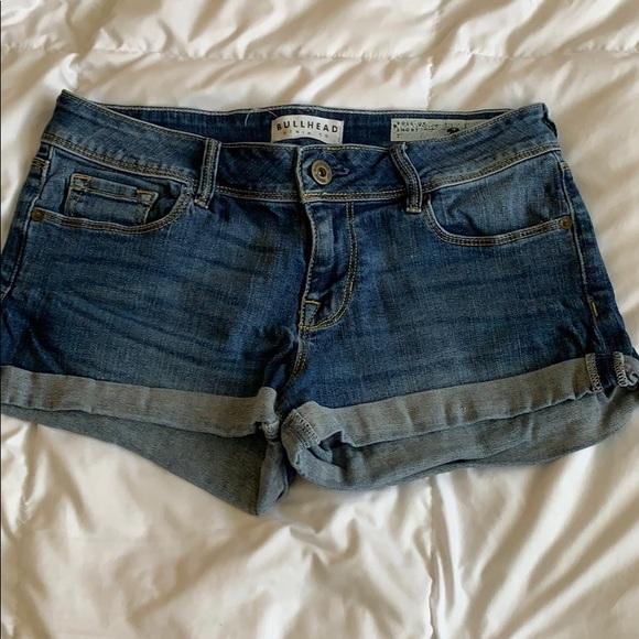 Bullhead Pants - Bullhead Roll up Jean shorts